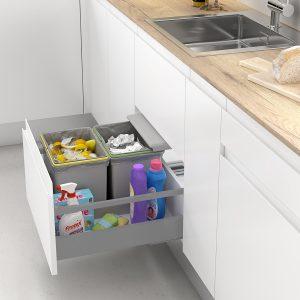 Cubos de basura para reciclar en la cocina con tapa automática