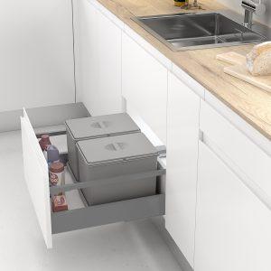 Cubo de basura pequeño y rectangular para reciclar en la cocina