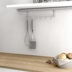 Soporte para ordenar utensilios de la cocina sobre la encimera