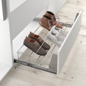 Zapatero extraíble y extensible de unión frontal a cajón de armario vestidor