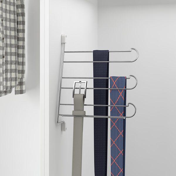 Soporte abatible para guardar de forma ordenada corbatas y cinturones dentro de un armario vestidor