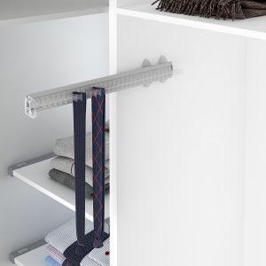 Soporte extraíble para cinturones y corbatas dentro de un armario vestidor