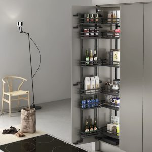 Columna despensero extraíble de diseño único. Para ordenar cosas en la despensa de la cocina